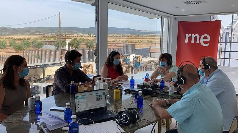 """Por tres razones - Olivares vivos: """"Hay mucha vida detrás de cada botella de aceite"""" - Escuchar ahora"""