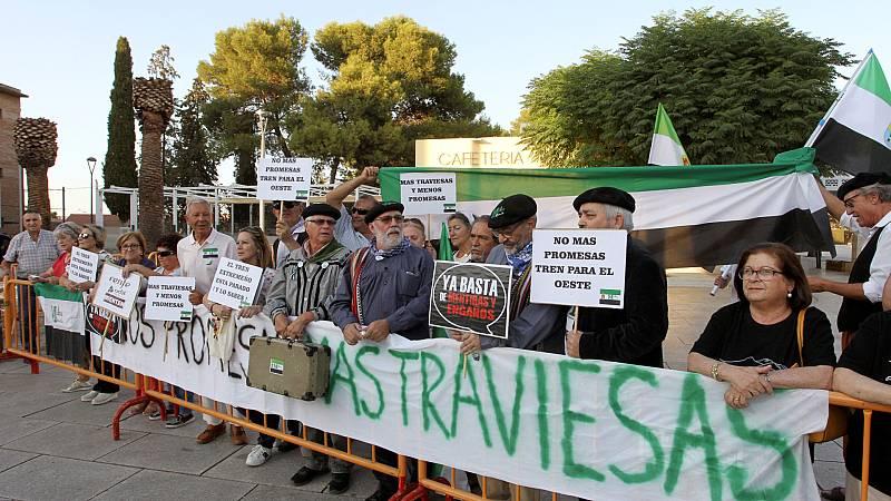 España a las 8 Fin de Semana - Foco España: Milana Bonita, 4 años de lucha por un tren digno para Extremadura - Escuchar ahora