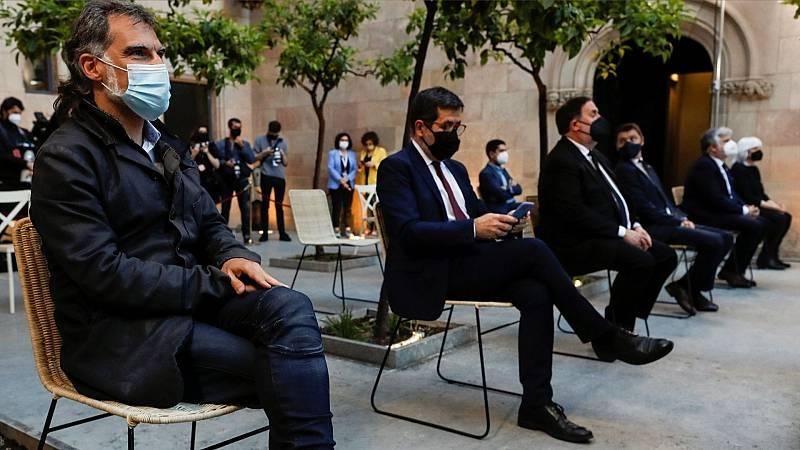 """Las mañanas de RNE con Íñigo Alfonso - Ana Carmona: """"Felipe VI no tiene ninguna capacidad para negarse a firmar los indultos"""" - Escuchar ahora"""