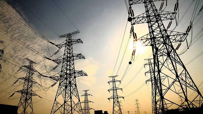 14 horas - Sólo Reino Unido paga más cara la electricidad que España en Europa - Escuchar ahora