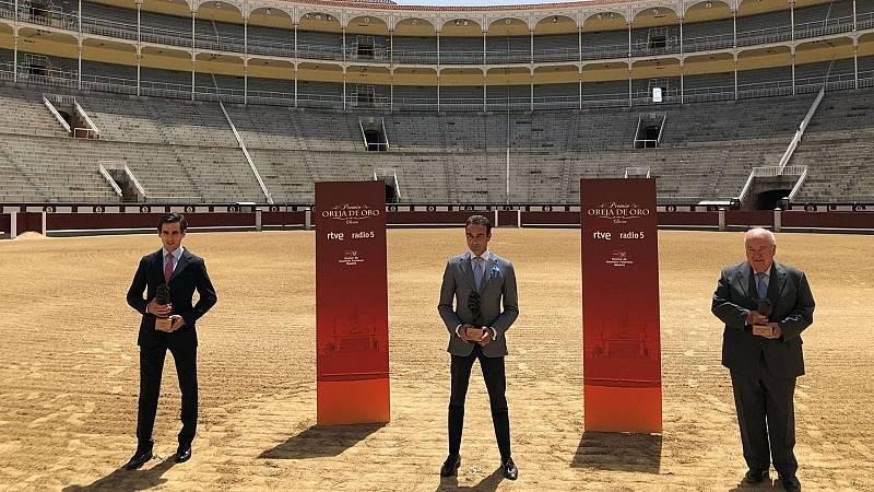 Más cerca - Victoriano del Río, Enrique Ponce y Juan Ortega recogen los premios 'Clarín' - Escuchar ahora