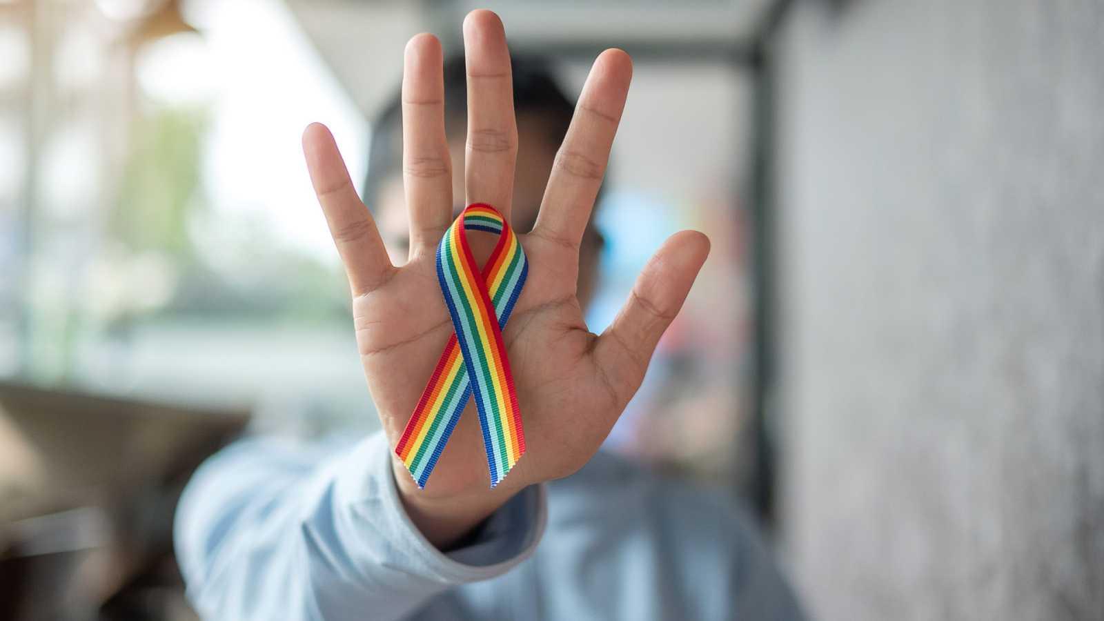 Wisteria Lane - Denuncia a la Televisión gallega por acoso laboral por homofobia - 20/06/21 - Escuchar ahora
