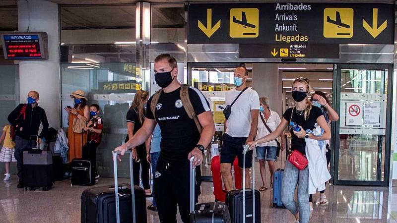 24 horas - El sector turístico en Baleares, cauto y esperanzado, aguarda a los británicos - Escuchar ahora