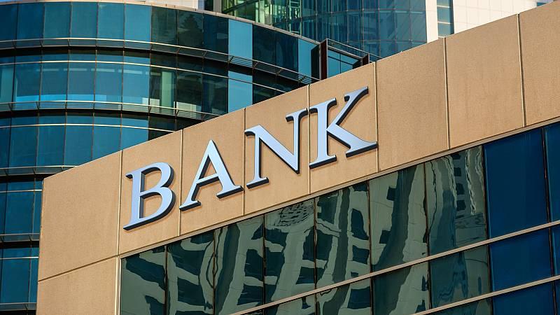 Más cerca - La doble identificación bancaria - Escuchar ahora