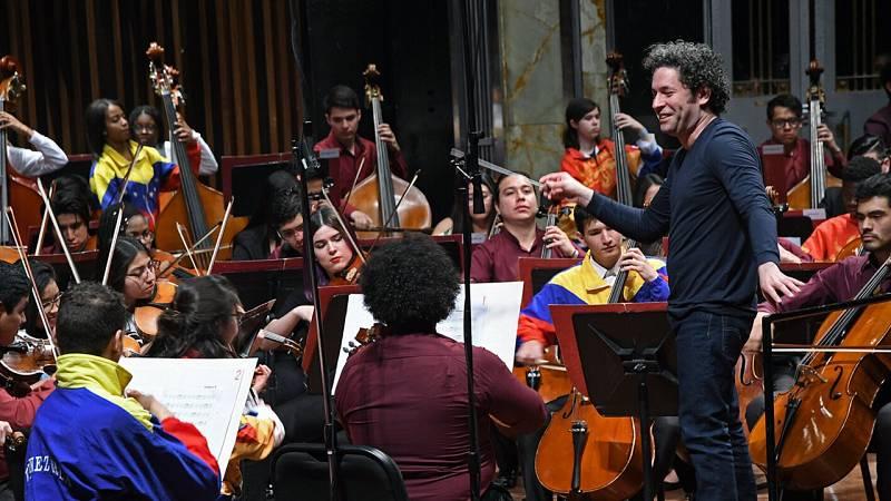Por tres razones - Fundación Dudamel, una oportunidad a través de la música - 22/06/21 - escuchar ahora