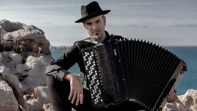 Gorka Hermosa, accordion virtuoso and musical adventurer