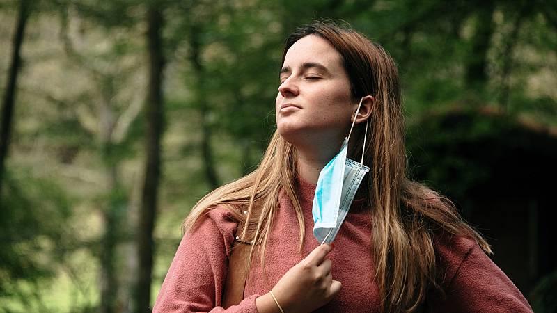 Más cerca - Médicos piden prudencia ante el fin de mascarillas en exterior - Escuchar ahora