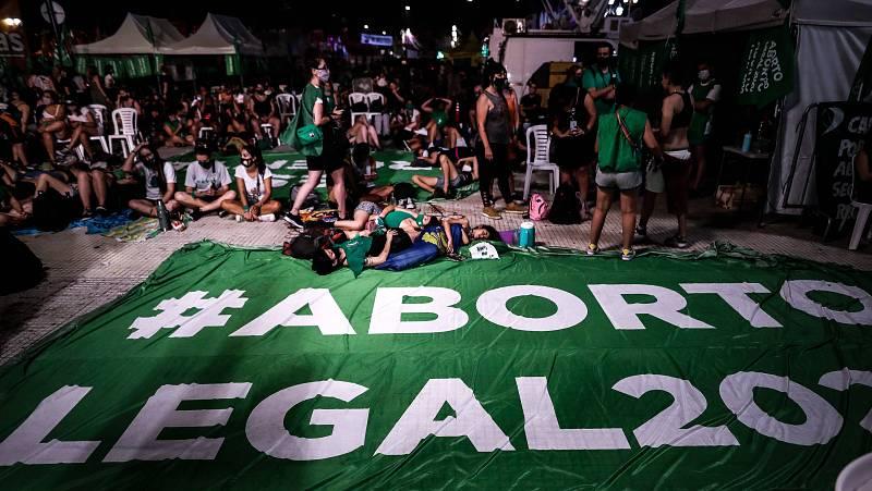 14 horas - El aborto es ilegal en muchas partes del mundo y está castigado con penas de prisión - Escuchar ahora
