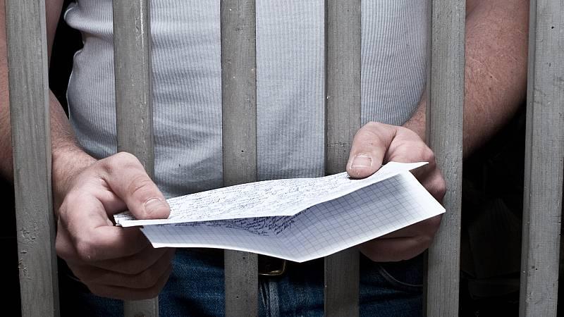 """Por tres razones - Una """"falla"""", mensaje entre presos - Escuchar ahora"""