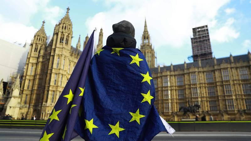 14 horas - Termina el plazo para regularizar la residencia en Reino Unido - Escuchar ahora