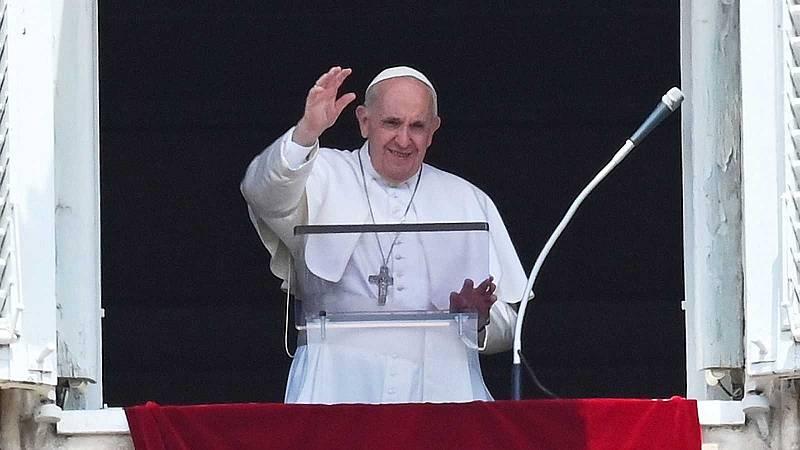 24 Horas Fin de Semana - La dolencia de la que han operado al papa es benigna - Escuchar ahora