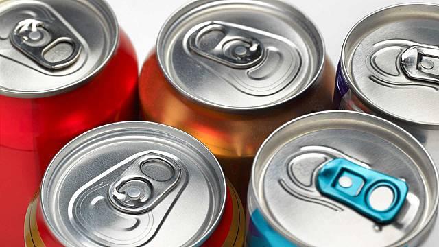 ¿Qué consecuencias tiene el exceso de bebidas energéticas?