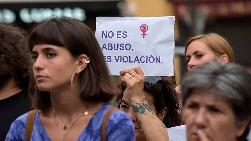 Las mañanas de RNE con Íñigo Alfonso - Los detalles de la ley 'solo sí es sí' - Escuchar ahora