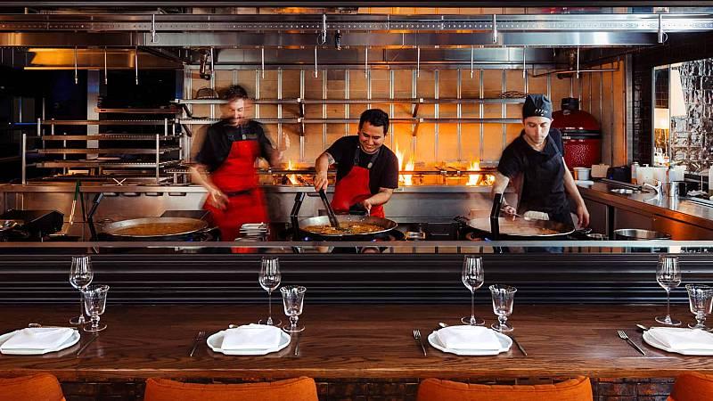 Por tres razones - Los mejores restaurantes españoles en el extranjero - Escuchar ahora
