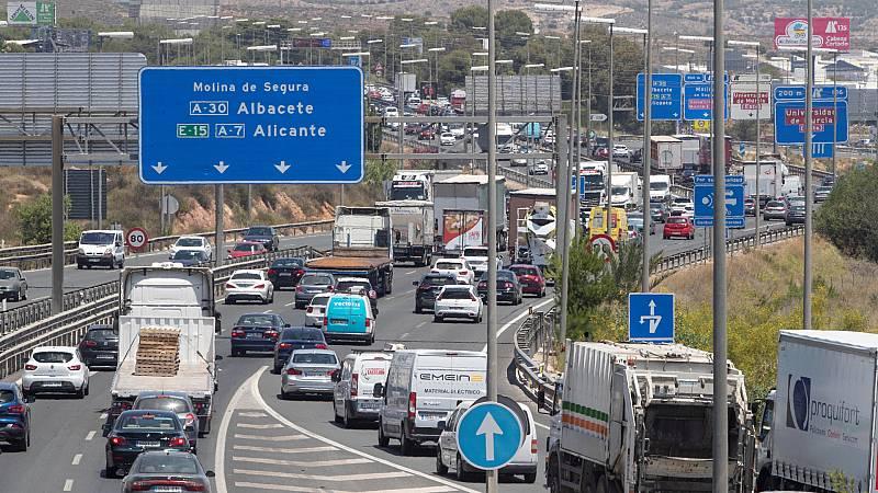 """Las mañanas de RNE con Íñigo Alfonso - El verano y las carreteras: """"Va a ser especialmente complicado"""" - Escuchar ahora"""