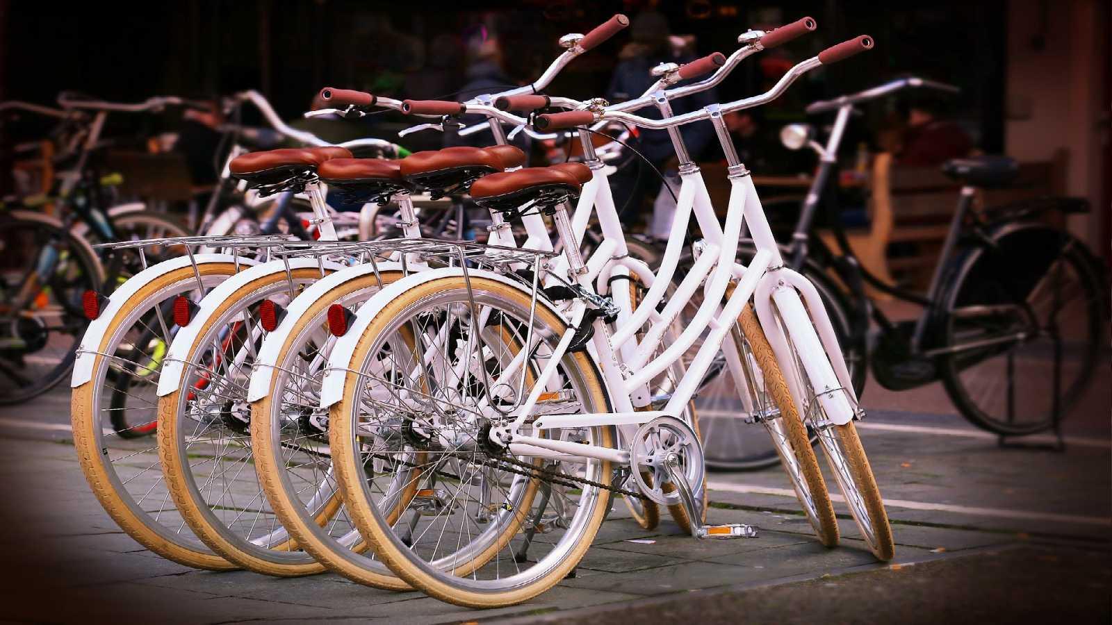 El español urgente con Fundéu RAE - Mundo de las bicicletas - 19/07/21 - Escuchar ahora