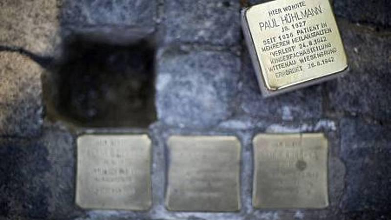Reportajes 5 Continentes - Los Stolpersteine, para recordar las víctimas de la barbarie - Escuchar ahora