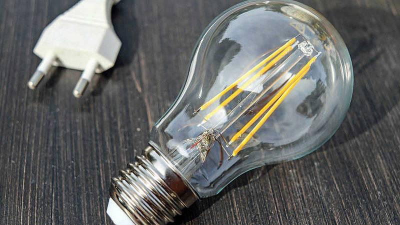 """Las mañanas de RNE - Jorge Sanz, experto en electricidad: """"La mitad de la tarifa son impuestos o sobreimpuestos"""" - Escuchar ahora"""