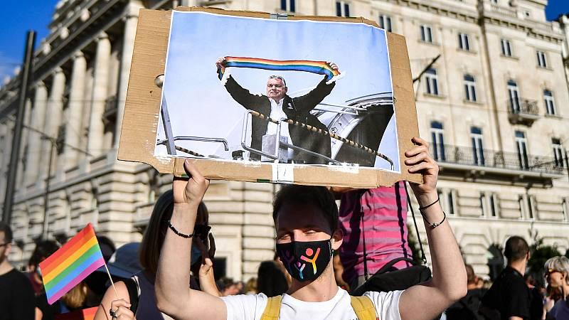 24 horas - Viktor Orban quiere someter a referéndum la ley contra el colectivo LGTBI - Escuchar ahora
