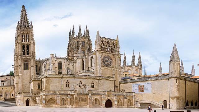 'El vuelo de la alondra': Burgos y su catedral de 800 años