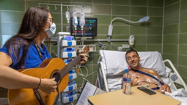 Ana Palacios con Músicos por la Salud