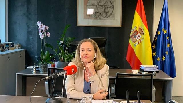 Calviño no cree que Bruselas ponga trabas a subida del SMI