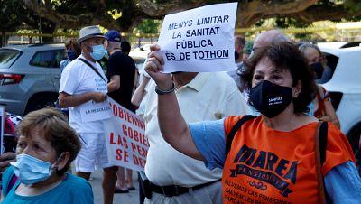 La Marea Blanca es manifesta per demanar que no es limiti l'atenció sanitària