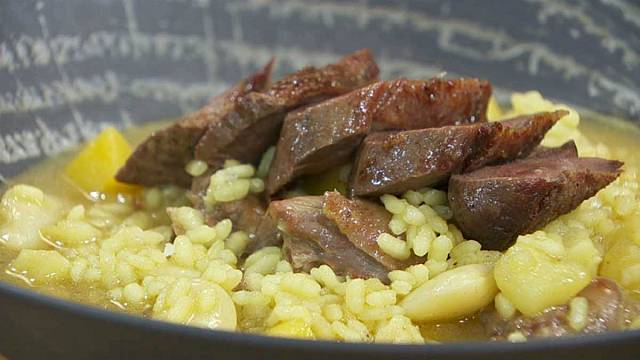Carme Ruscalleda: arròs amb ales d'ànec i olives