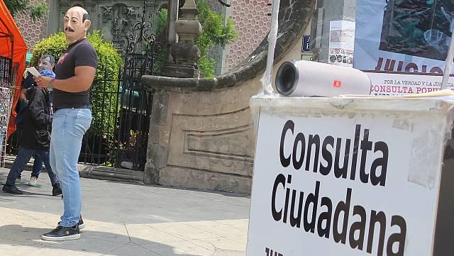 México vota si investigar a sus expresidentes