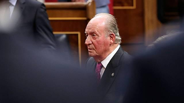 Juan Carlos I: Un año fuera de España