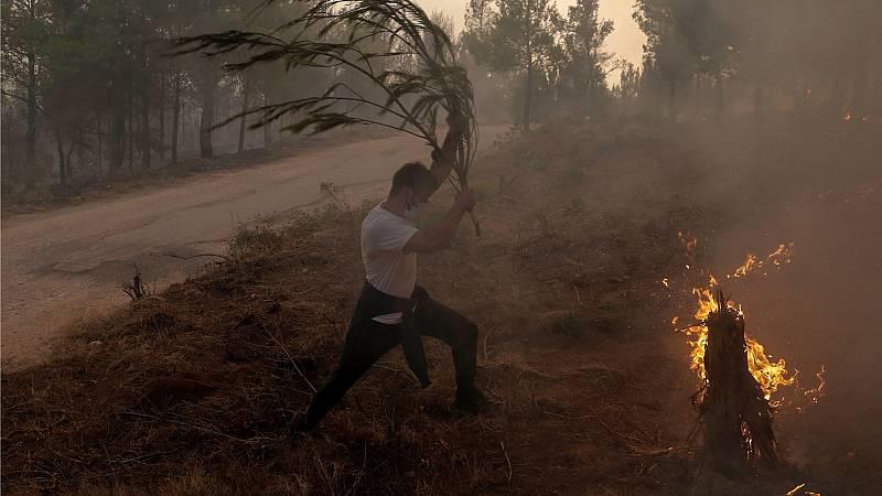 14 horas Fin de Semana - Grecia en llamas: Los gobernadores piden ayuda urgente al Gobierno - Escuchar ahora