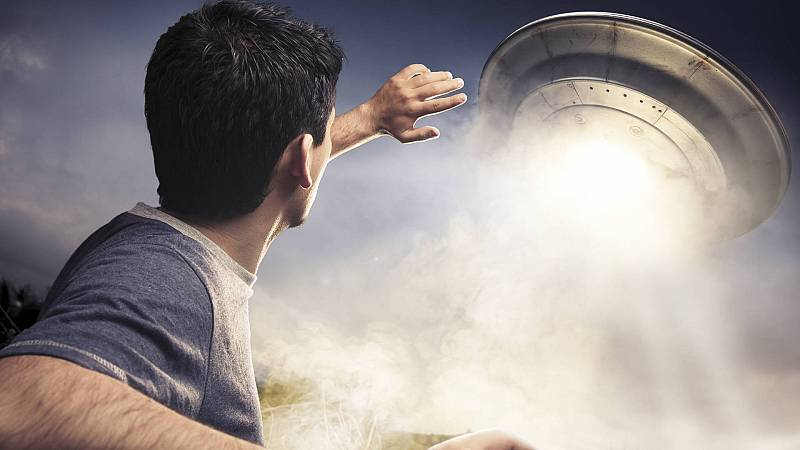 Espacio en blanco - Lecciones de maestros y viajes astrales - 22/08/21 - escuchar ahora