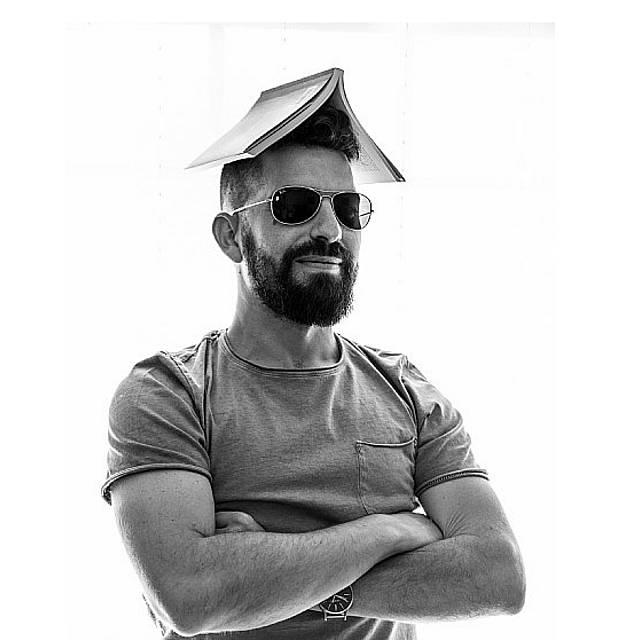 Christian Martínez Silva. Sin más respuesta que el silencio