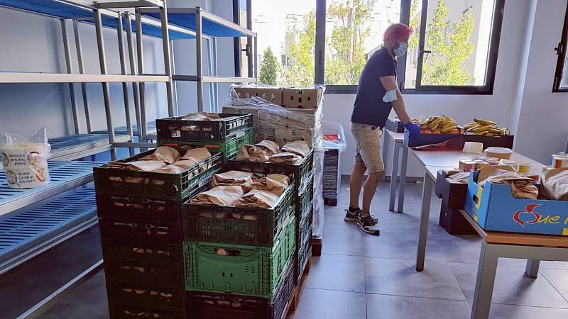 14 horas Fin de Semana - Comida para los refugiados afganos: Así funciona la ONG World Central Kitchen - Escuchar ahora