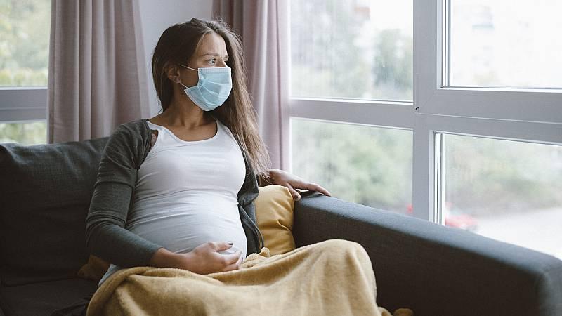 """Por tres razones - """"Las embarazadas deben llegar vacunadas al segundo trimestre"""" - Escuchar ahora"""