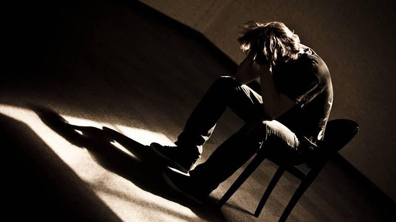 24 horas - La salud mental: en España hay 10 suicidios al día - Escuchar ahora