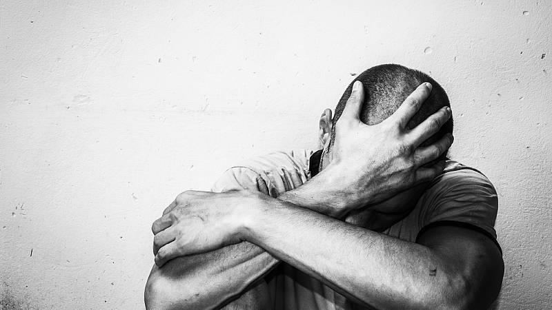 memoria de delfín - El suicidio 3.600 personas fallecen al año en España - escuchar ahora