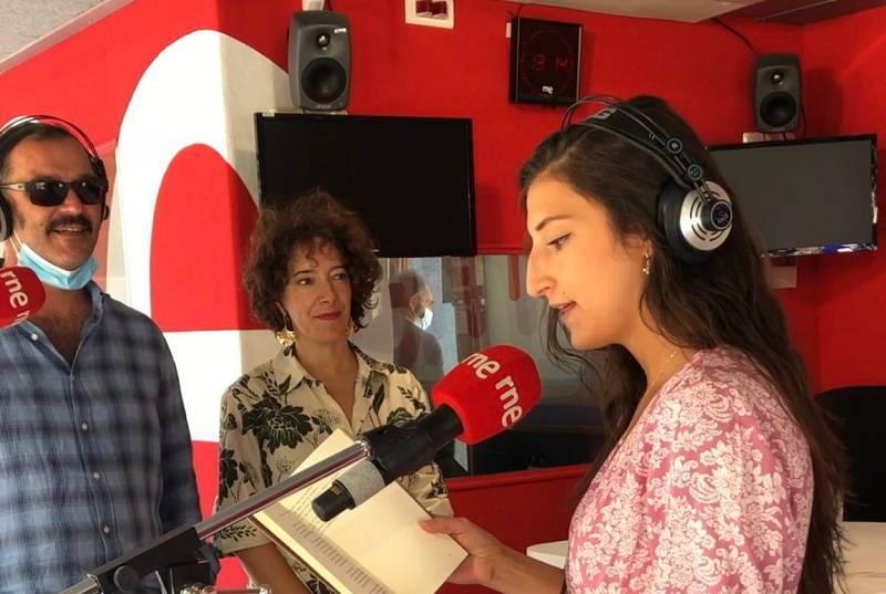 Especiales RNE - Lectura de poesía desde la Feria del Libro de Madrid (parte 1) - Escuchar ahora