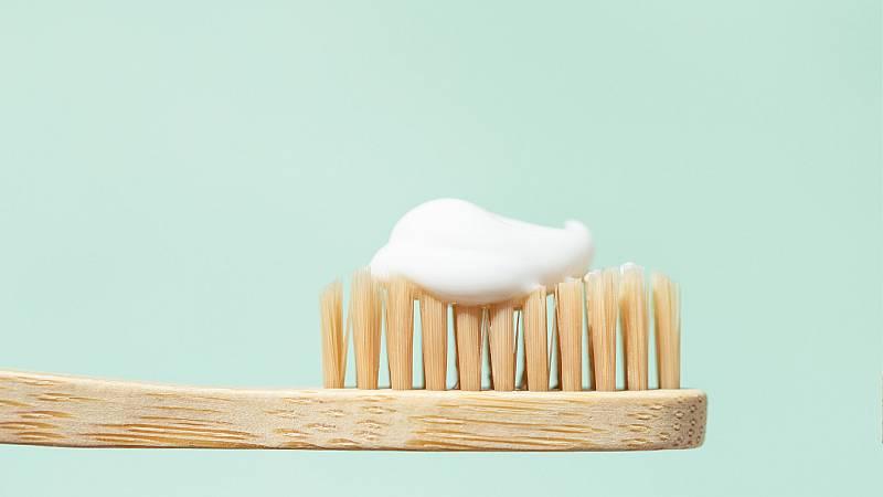Ciencia por un tubo -  El primer cepillo de dientes moderno nació en una cárcel - 23/09/21 - Escuchar ahora