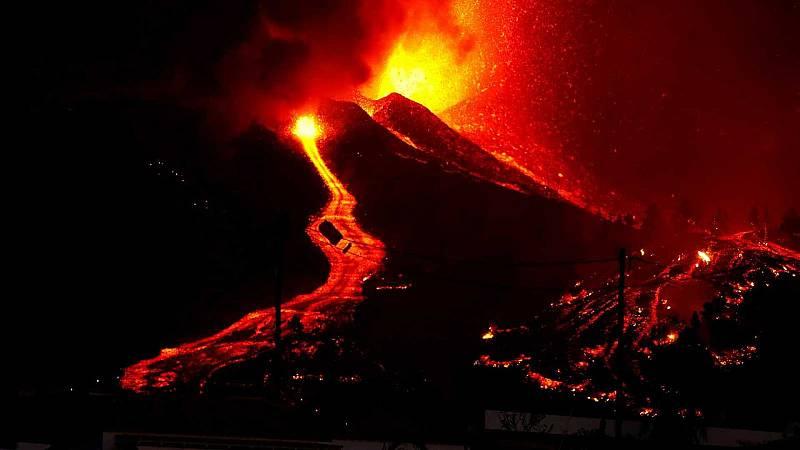 El ojo crítico - Todo lo que rodea a un volcán - 24/09/21 - escuchar ahora