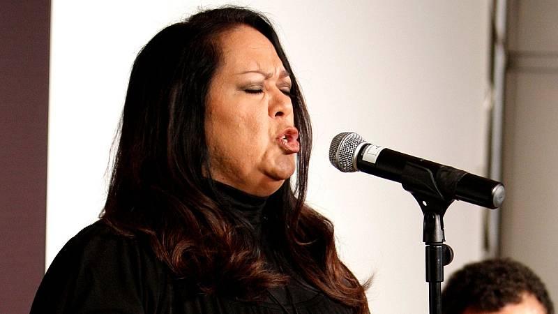 Tarde lo que tarde - 'Ilesa', el nuevo álbum de Edith Salazar - Escuchar ahora