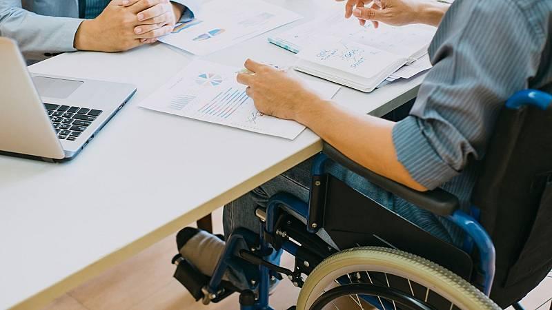 Más cerca - La profunda brecha salarial de las personas con discapacidad - Escuchar ahora