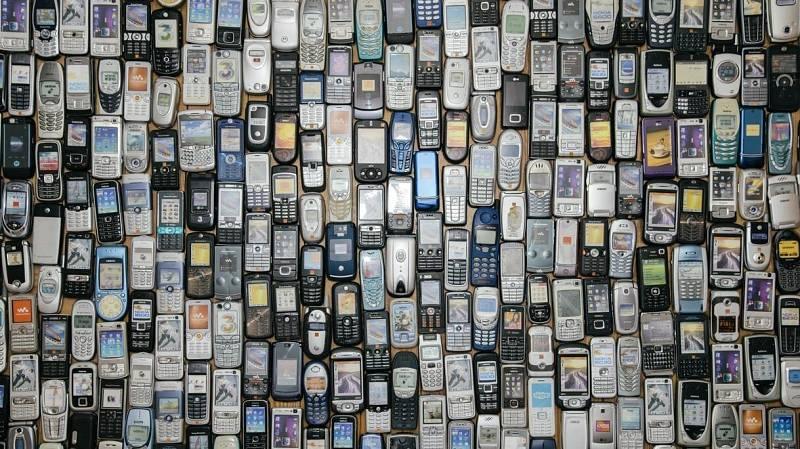 14 horas - Los móviles de más de cinco años dejan de funcionar - Escuchar ahora