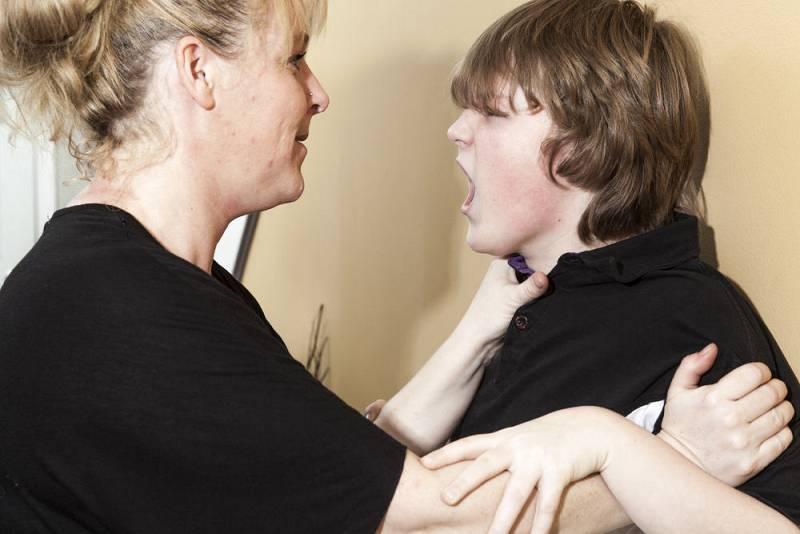 Mamás y papás - Mi hijo me pega - 03/10/21 - Escuchar ahora