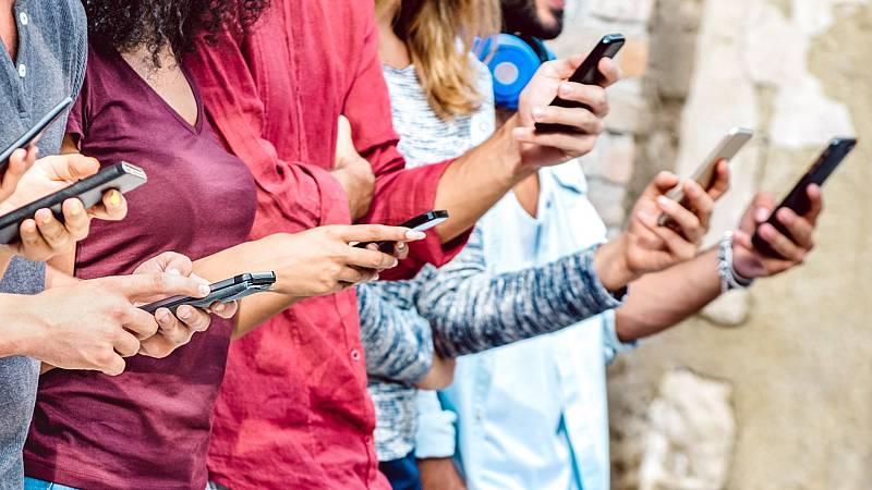 """Más cerca - """"Whatsapp ha transformado nuestra forma de ver el mundo"""" - Escuchar ahora"""