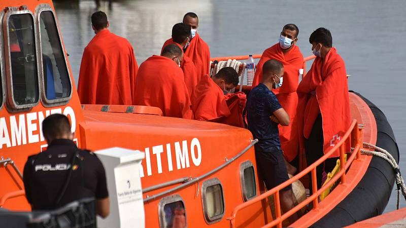 14 horas - Mueren cuatro personas en el naufragio de una patera en Cádiz - Escuchar ahora