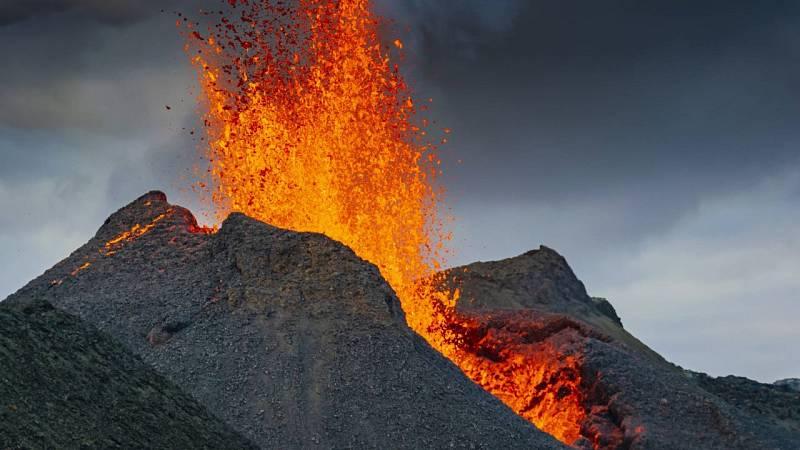 Espacio en blanco - El fuego de la Tierra: volcanes - 17/10/21 - escuchar ahora