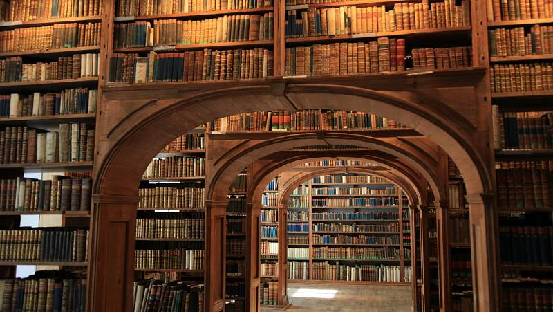 Momentos Históricos de Europa - Historia de las Bibliotecas, de Hipólito Escolar - 22/10/21 - escuchar ahora