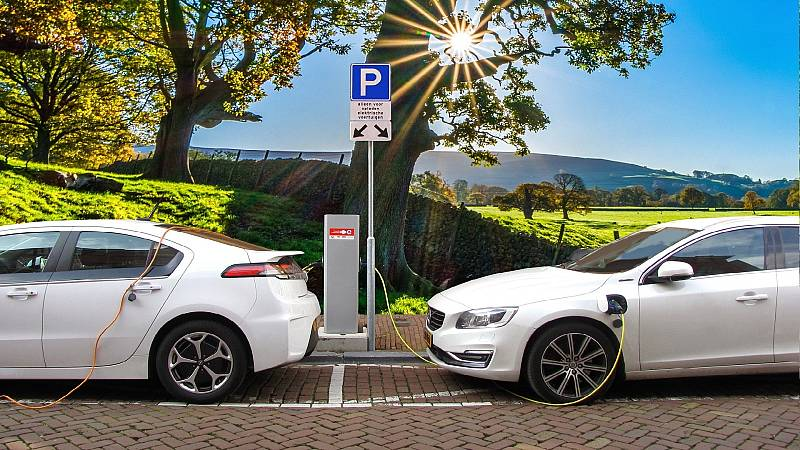 Sostenible y renovable en Radio 5 - Eléctrificación del automovil - 23/10/21 - Escuchar ahora