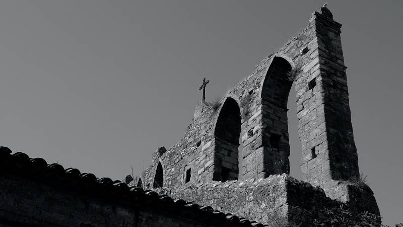 Sicut Luna Perfecta - El antiguo canto de la Galia - escuchar ahora